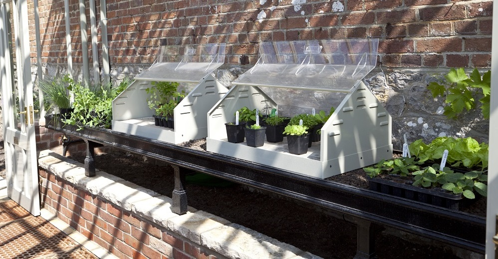 Greenhouse bench with propagators