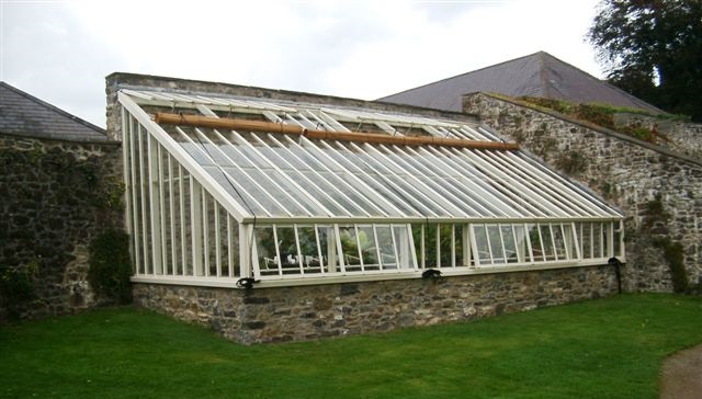 Aberglasney Messenger Greenhouse