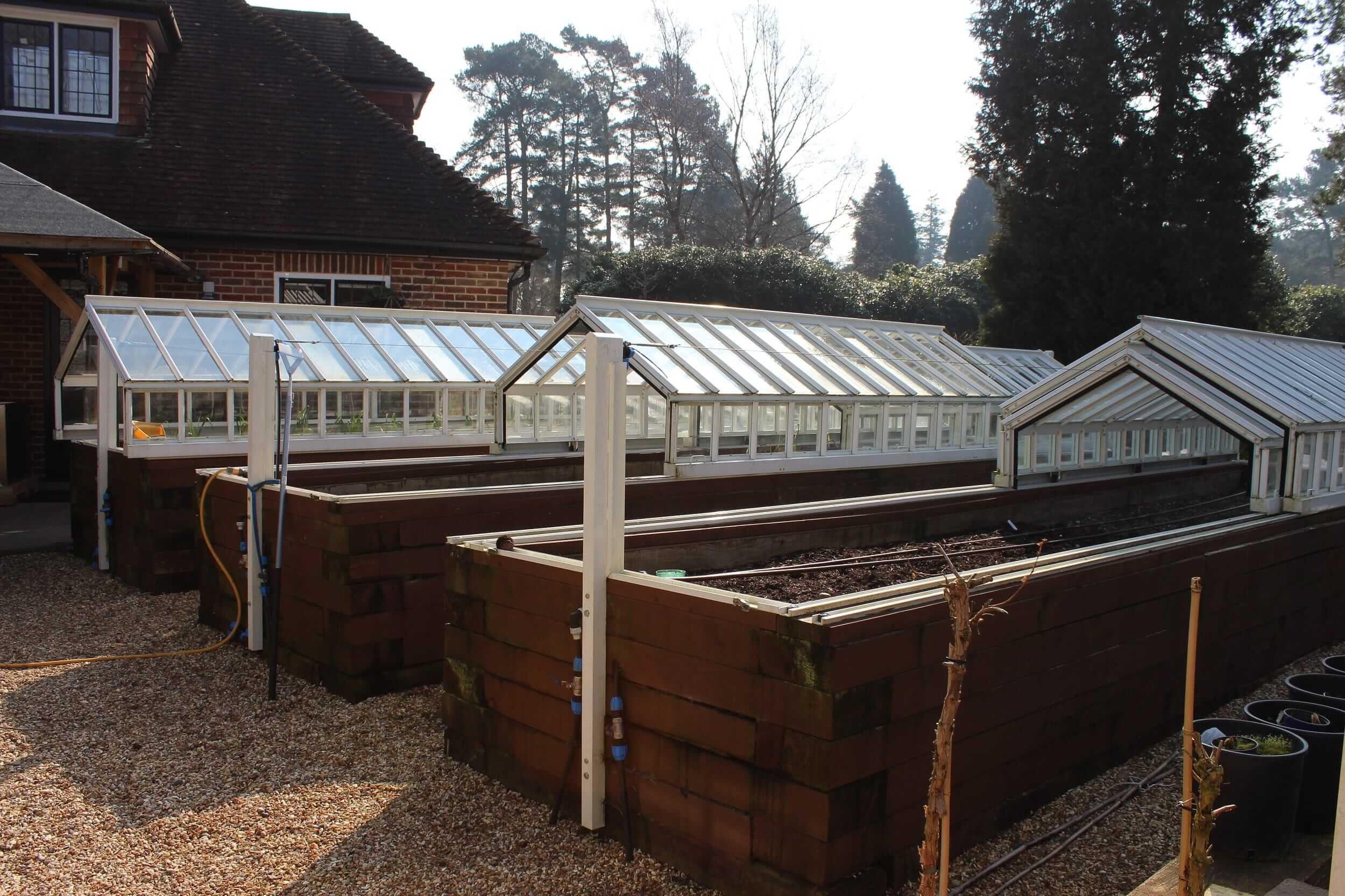 Telescopic greenhouses