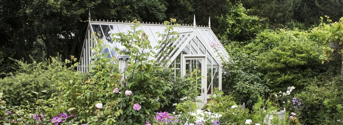 A Tatton greenhouse for gardening and relaxing