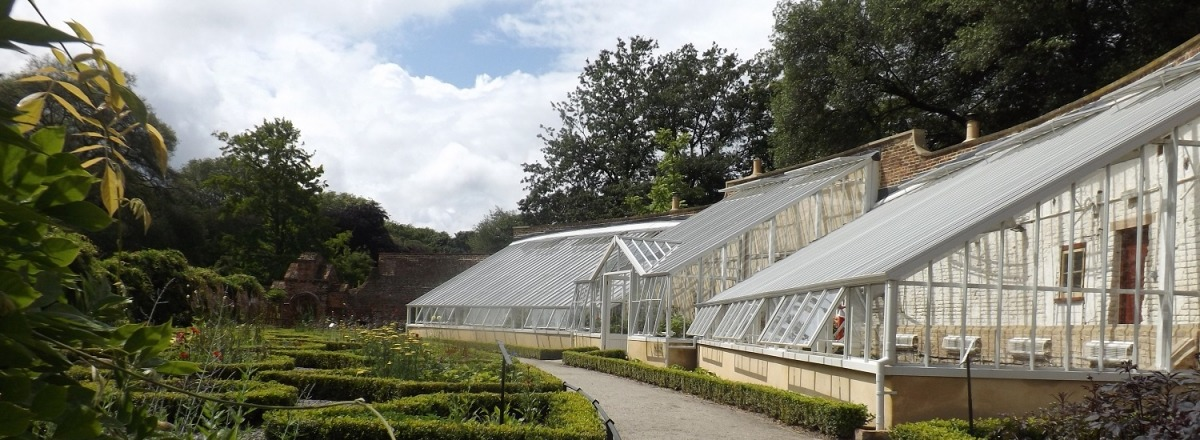 Glasshouse replacement at Fulham Palace Gardens