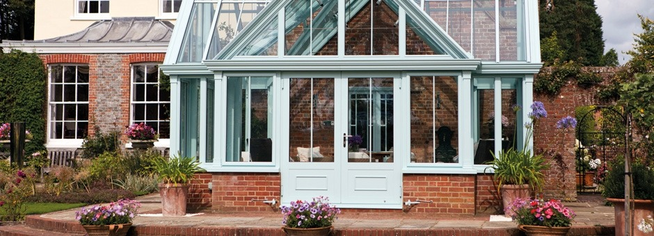 Cruciform feature conservatory