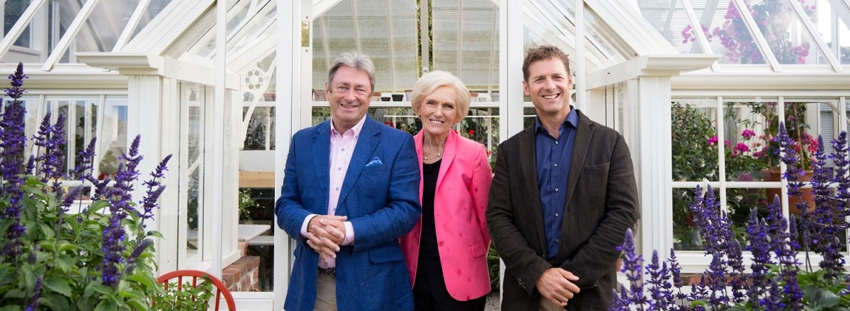 Alan Titchmarsh, Mary Berry and Tom Hall in front of Alitex Glasshouse