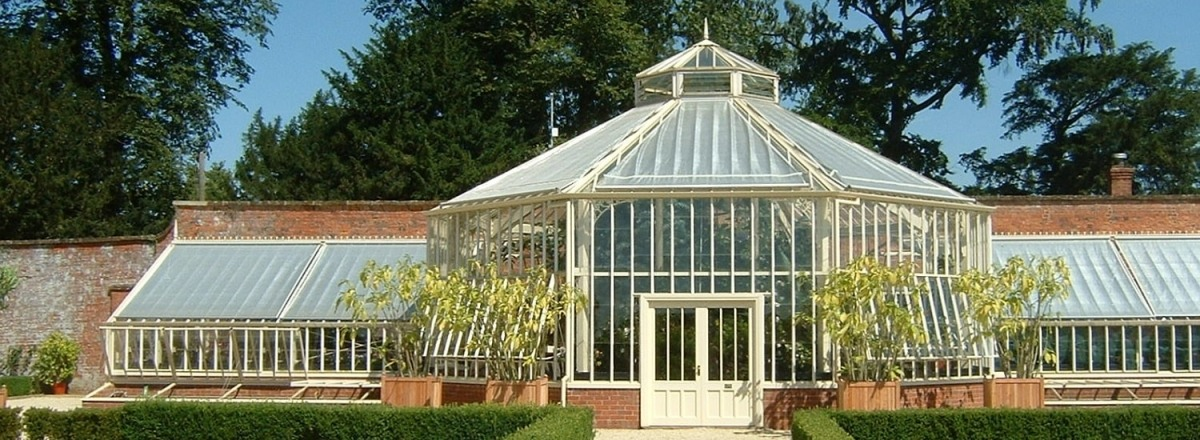 Bespoke Greenhouse with Hexagonal Central Lobby for Lord Heseltine