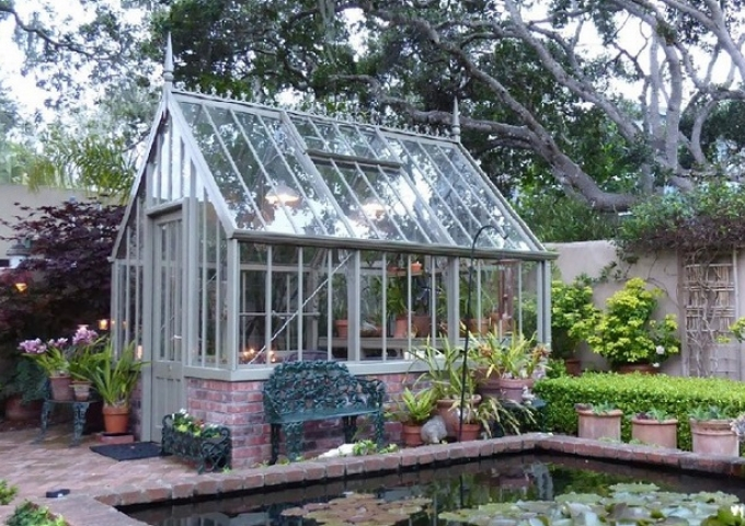 Hidcote greenhouse, Monterey California
