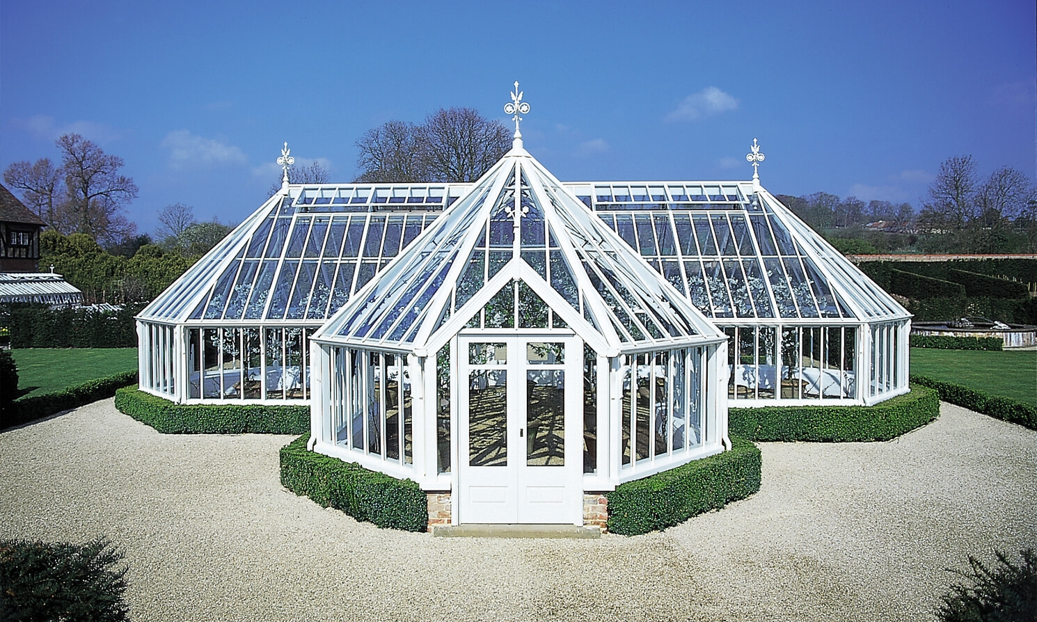 Bespoke greenhouse gallery alitex for Greenhouse styles