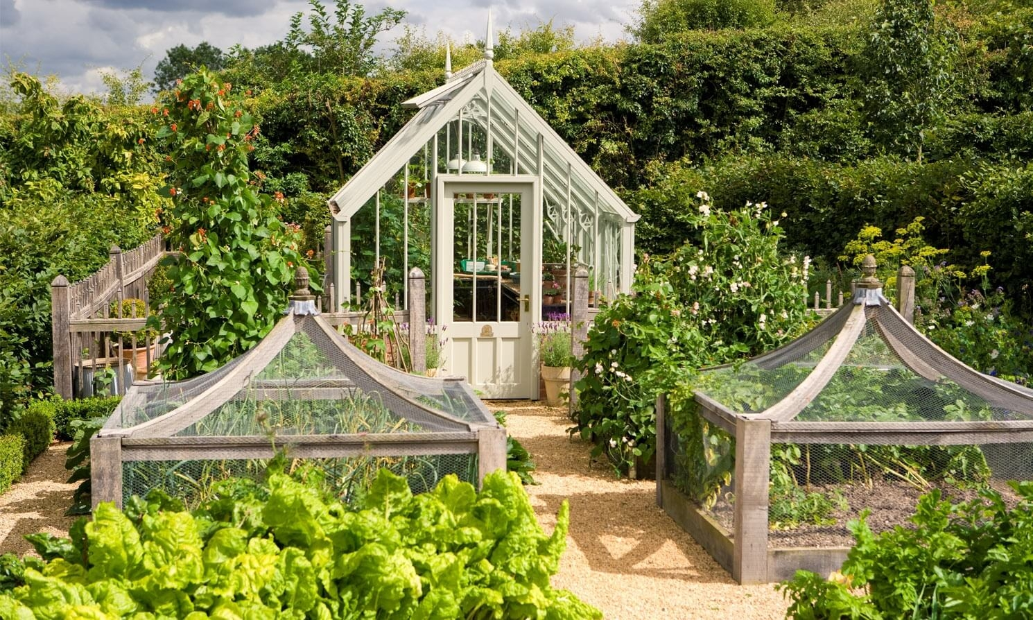 The hidcote national trust greenhouses alitex for Greenhouse styles