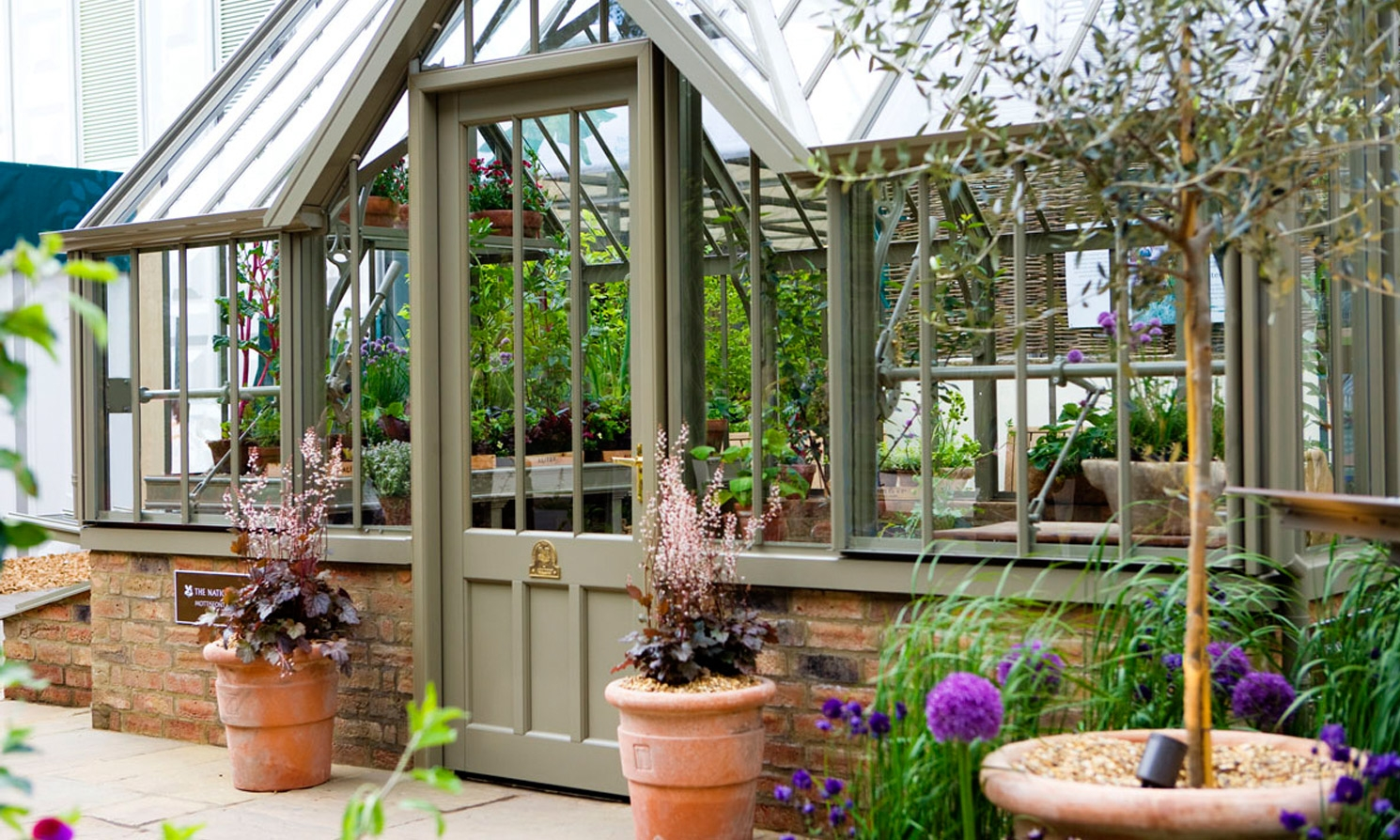 The mottisfont national trust greenhouses alitex for Greenhouse styles
