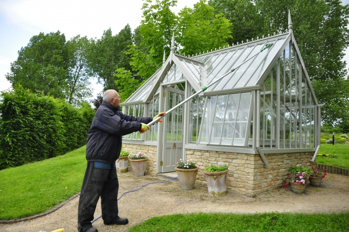 How to clean your greenhouse