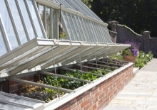 Alitex-heathlands-coldframes-attached-to-aluminium-greenhouse