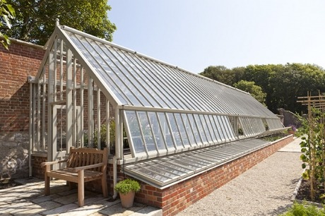 A three quarter span flanked by cold frames